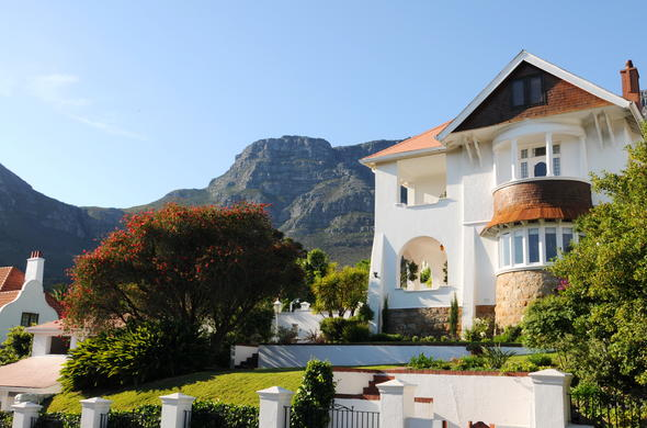 Exterior view of Abbey Manor Luxury Guesthouse in Cape Town.
