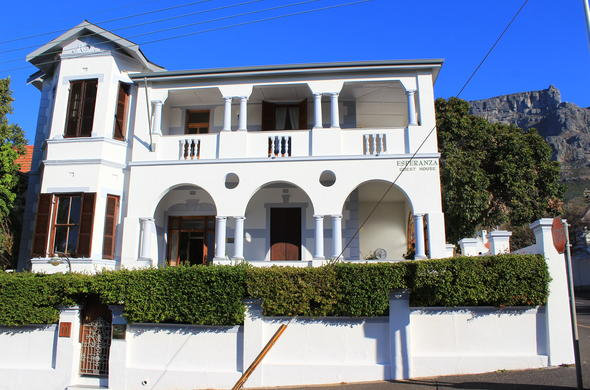 Exterior view of Esperanza Guest House in Cape Town.